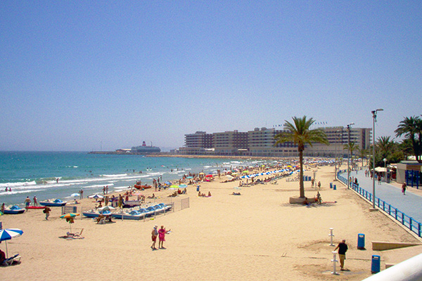 Playa-del-Postiguel-Alicante-ed-Elche-Giugno-photo-Puntin1969